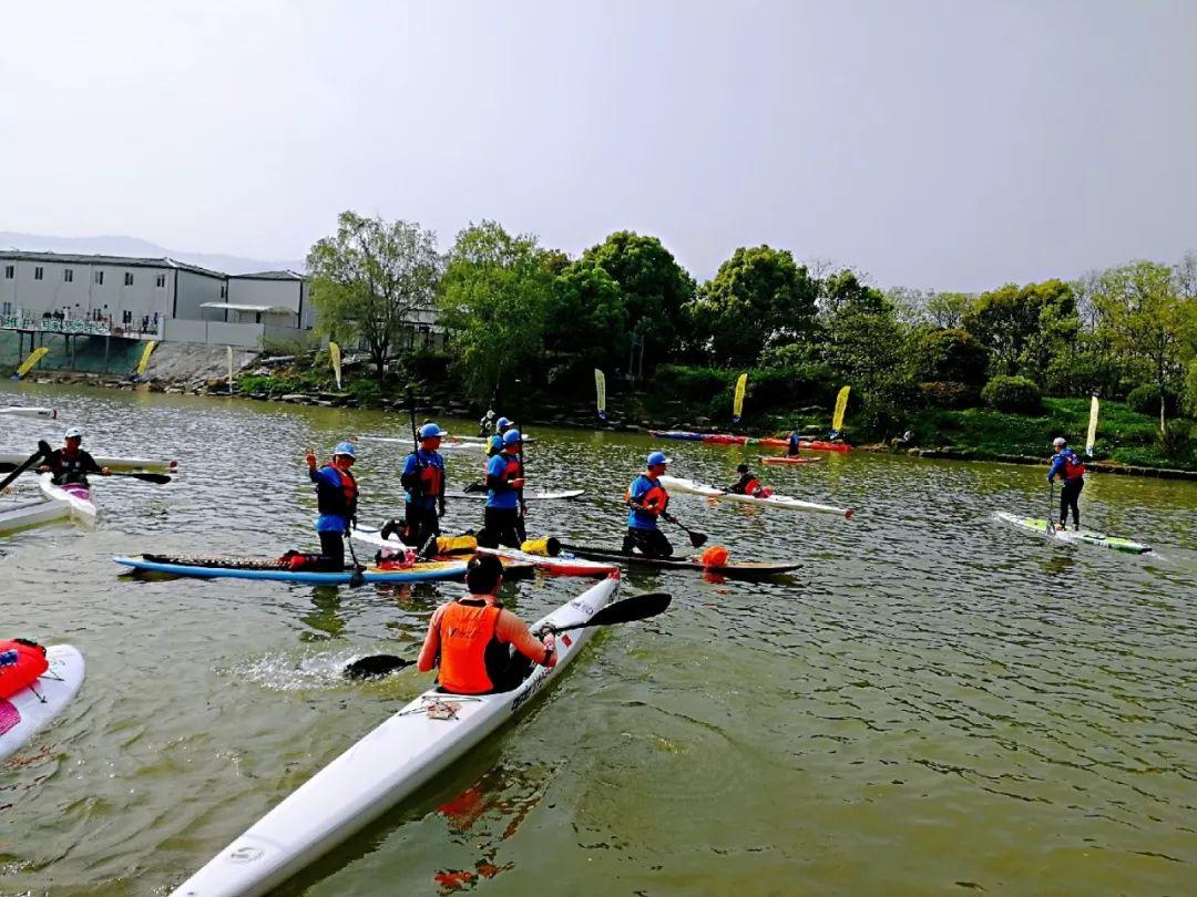 水上v首届机器人首届杭州西溪湿地皮划艇赛事马拉松挑战赛本次水标moschino桨板熊洗秋千图片